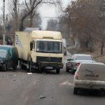 Не поделили дорогу: очередное ДТП в столице (ФОТО)
