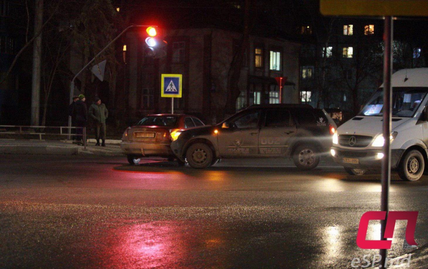 Авария блокировала движение на центральной магистрали Бельц (ФОТО)