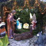 В Дондюшанах вандалы разрушили скульптуры со сценами рождения Христа (ФОТО)