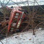 В Единцах ВАЗ врезался в дерево и перевернулся: водитель погиб на месте (ФОТО)
