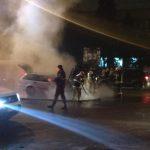 На Ботанике автомобиль загорелся во время движения (ВИДЕО)