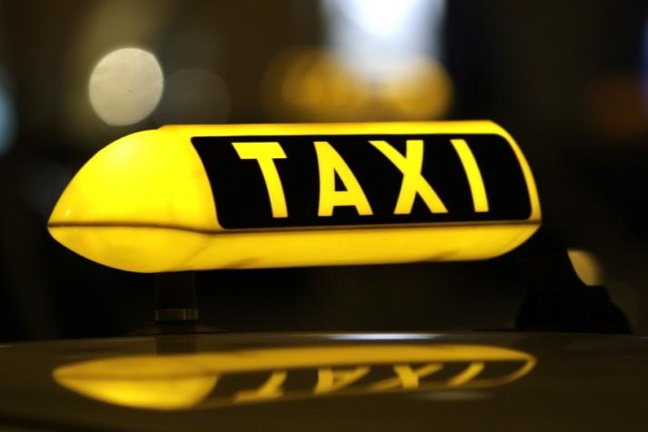 10-летнюю бельчанку, переходившую улицу, сбил водитель такси