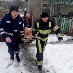 За сутки помощь спасателей на дорогах понадобилась нескольким машинам скорой помощи