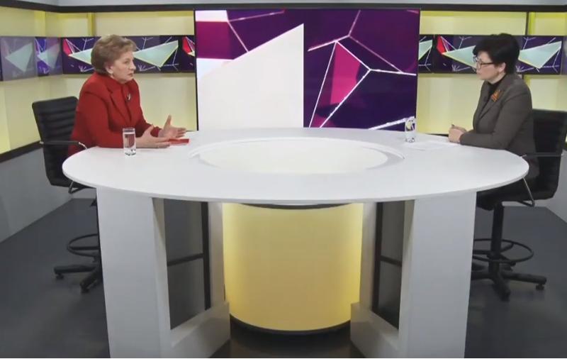 """Гречаный призвала граждан не поддаваться на """"страшилки"""" властей: Никого не лишат пенсии или работы"""