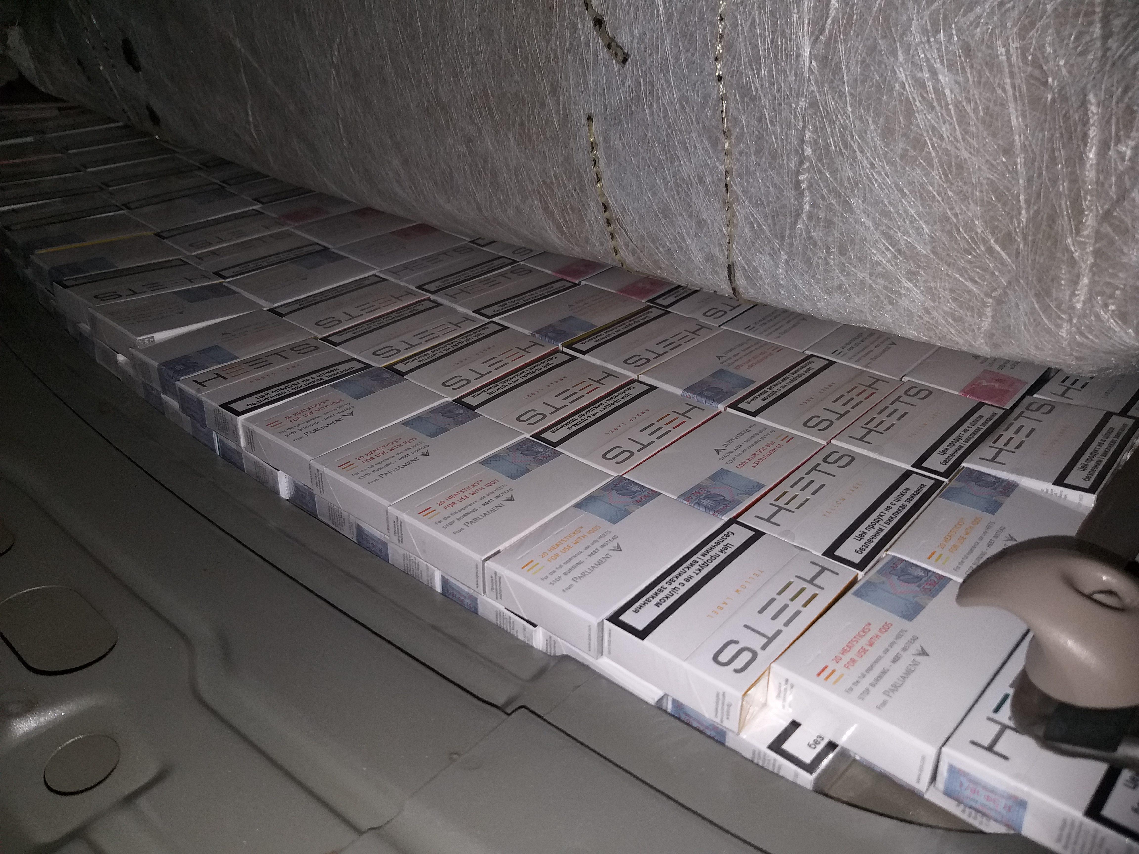 Более 27 тысяч незадекларированных табачных стиков обнаружили в машине тираспольчанина (ФОТО)