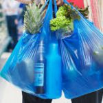 С сегодняшнего дня запрещено использование пластиковых пакетов
