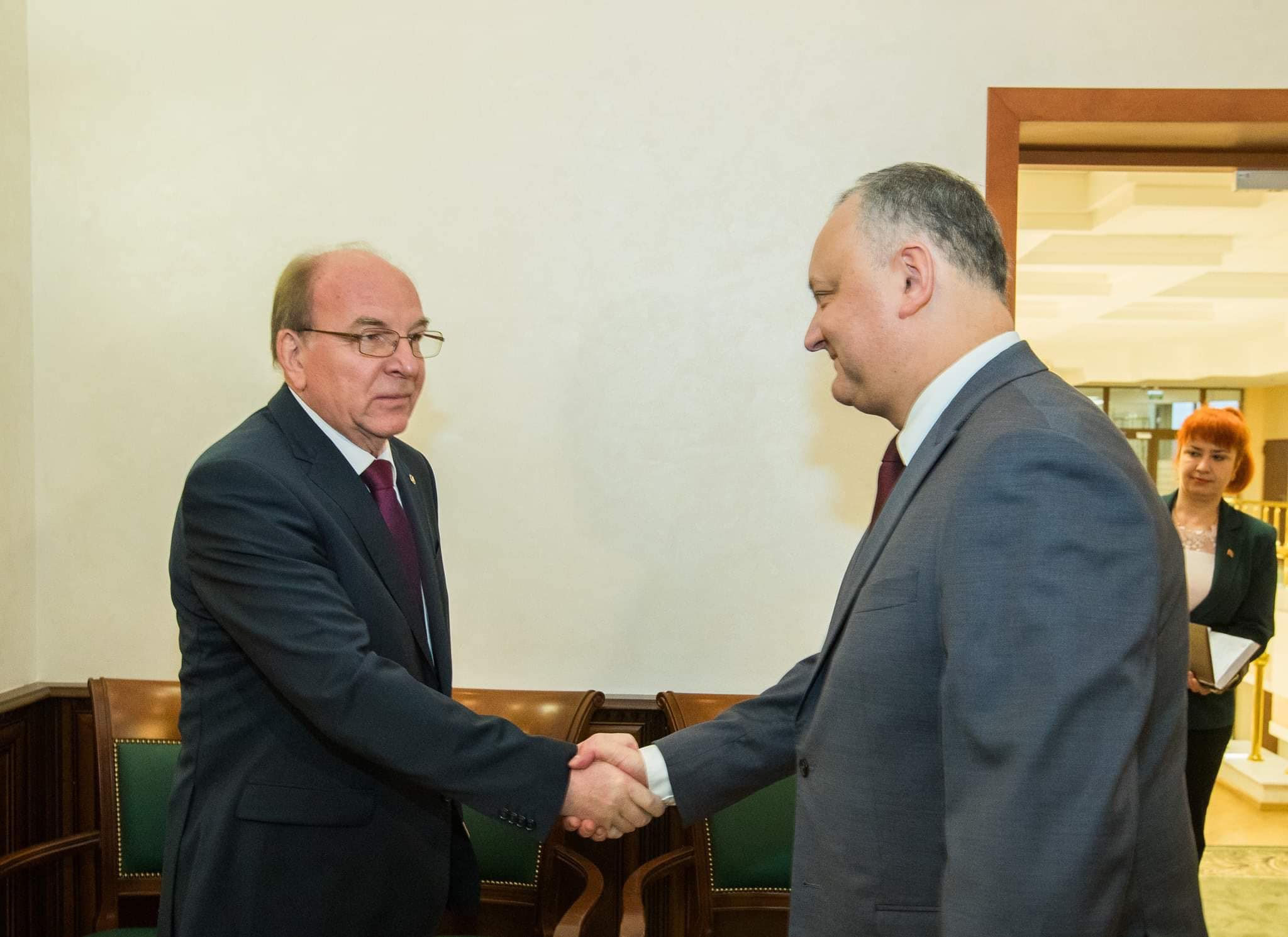 Додон обсудил важные вопросы с послом России в Молдове (ФОТО)