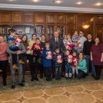 Десять детей, которые обрели слух благодаря семье президента, посетили президентуру (ФОТО)
