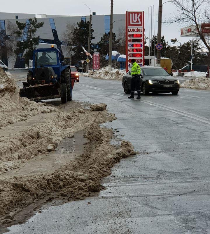Внимание, водители: на дорогах будут проводиться работы по уборке снега