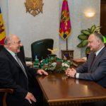 Додон и председатель Болгарского общества «Возрождение» обсудили роль болгар в общественной и культурной жизни страны (ФОТО)