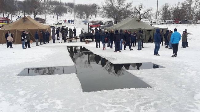 Крещенские купания в Молдове проходят под контролем спасателей (ФОТО)