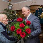 Президент лично поздравил с 100-летием ветерана ВОВ и вручил ему самую высокую награду (ФОТО)
