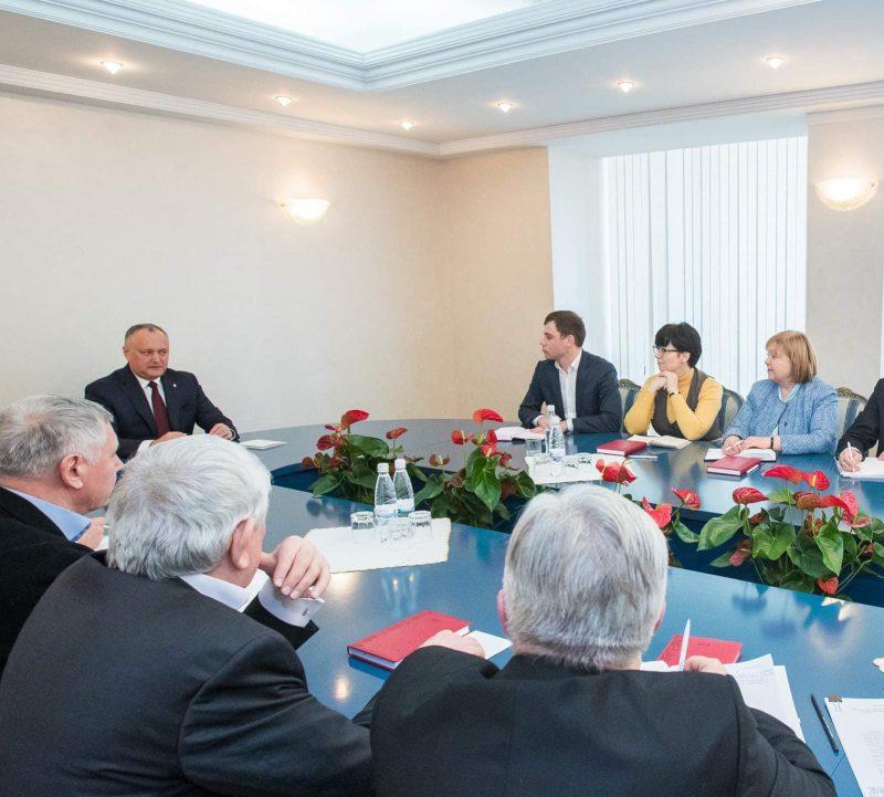 Додон обсудил важные вопросы с главами комиссий Совета гражданского общества (ФОТО)