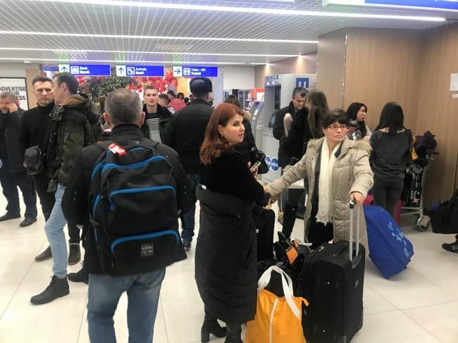 Скандал в аэропорту Кишинева: пассажирам сообщили, что их рейс перенесли на 5 дней (ВИДЕО)