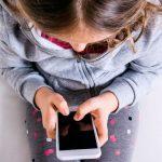 """За год """"горячая линия"""" в помощь детям и подросткам приняла более 5 000 звонков"""