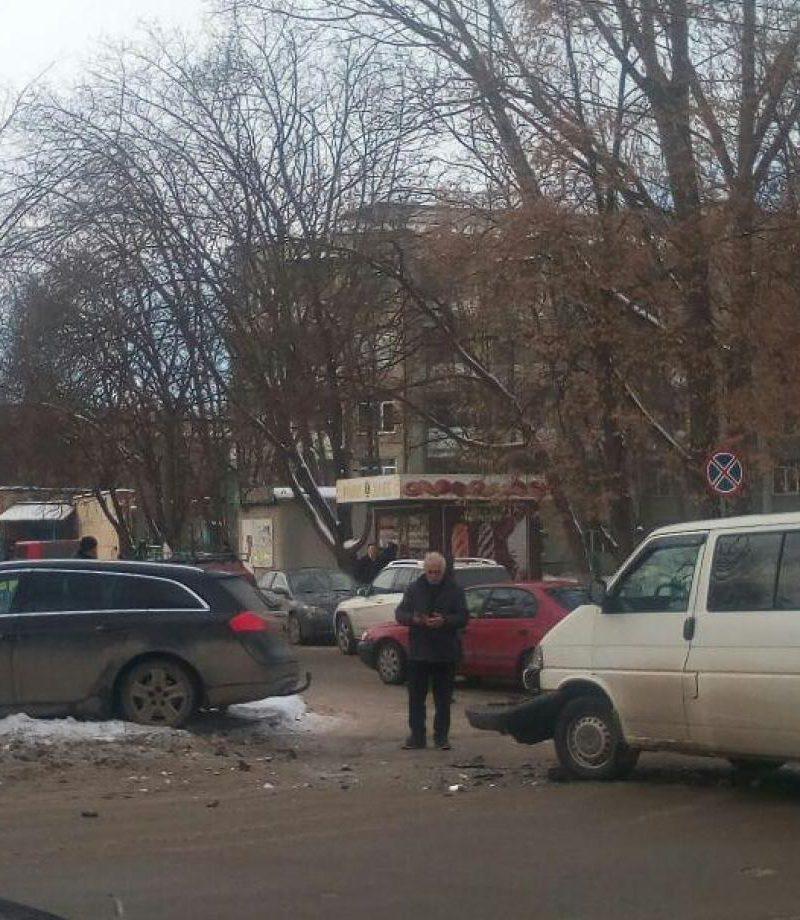 ДТП в Бельцах: два автомобиля не смогли разминуться