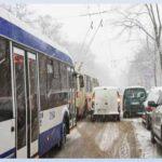 Шарившему по карманам пассажиров троллейбуса мужчине грозит тюремный срок (ВИДЕО)