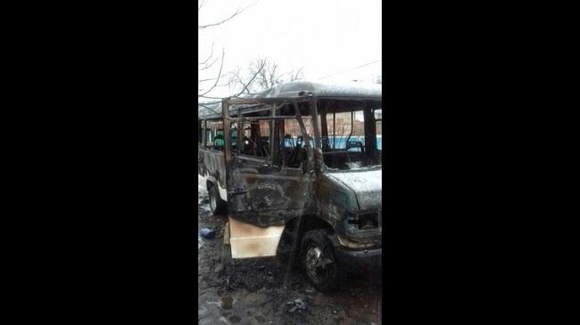 Рейсовый микроавтобус вспыхнул на ходу и сгорел дотла в Каушанах (ФОТО)