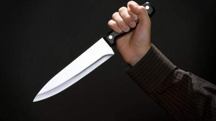 Пенсионерка получила удар ножом за то, что хотела сдать сына в сумасшедший дом