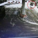 ДТП в Кагуле: микроавтобус протаранил легковушку на автозаправочной станции (ВИДЕО)