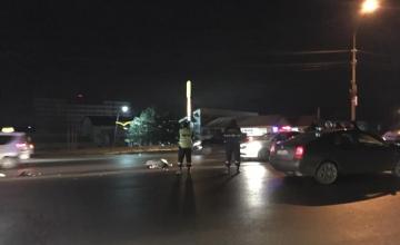 На Ботанике автомобиль насмерть сбил переходившую в неположенном месте дорогу женщину