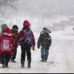 Снежный коллапс: 34 школьных маршрута не смогли доставить сегодня в школы более 600 учеников