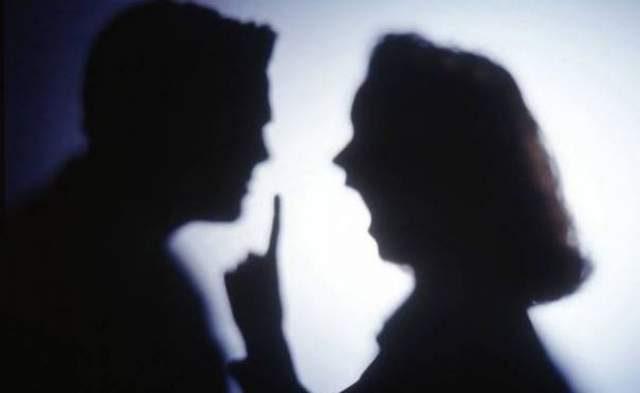 Бывает и такое: жительница Страшен в доказательство верности пырнула себя ножом в живот