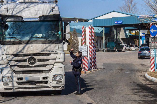 Объём грузоперевозок в Молдове вырос почти на треть