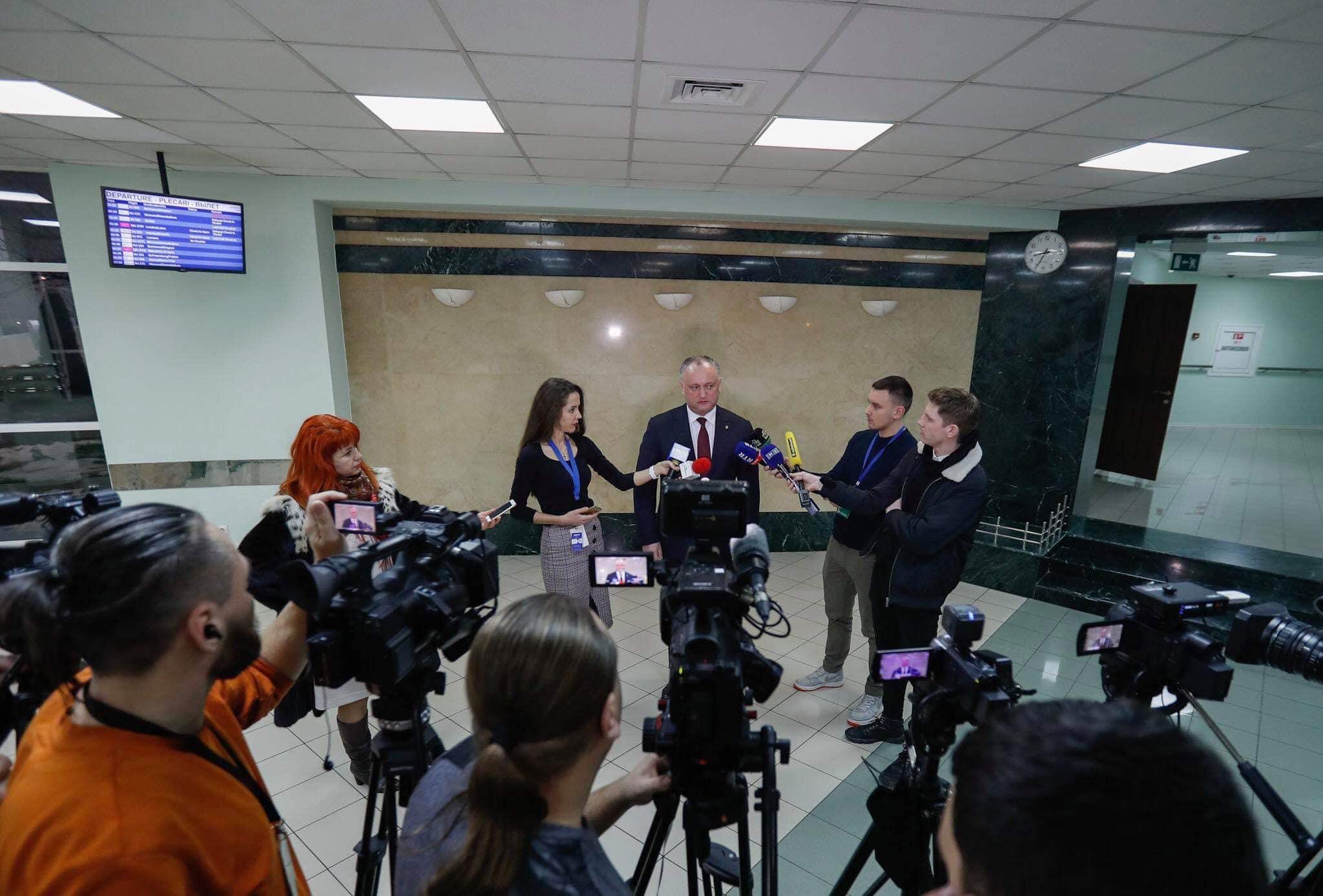 Руководство России предоставило Додону самолет для возвращения в Молдову