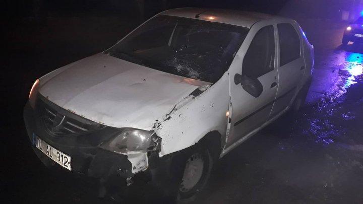 ДТП на Ботанике: водитель, пытавшийся увернуться от собаки, сбил двоих пешеходов (ФОТО)
