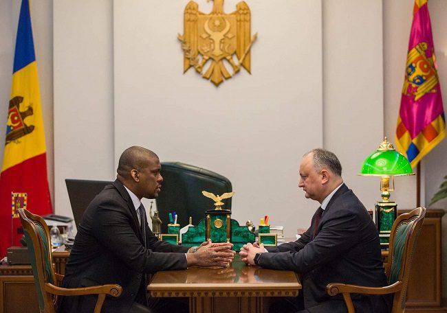 Додон на встрече с послом США: Надеюсь, выборы пройдут с соблюдением международных стандартов