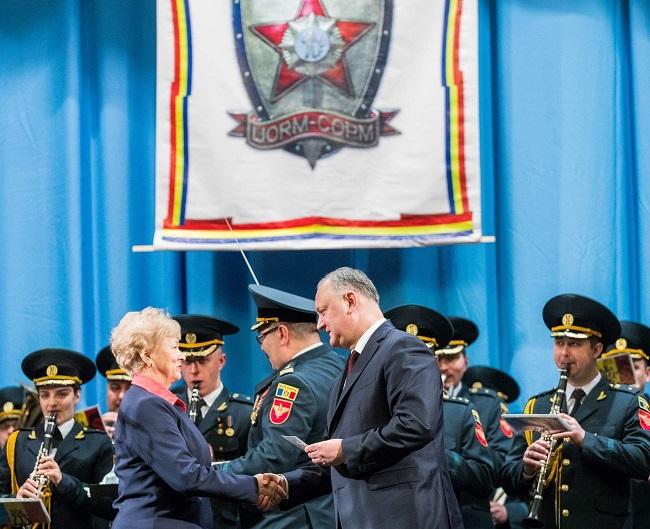 В День защитника Отечества Додон наградил группу военных (ВИДЕО, ФОТО)