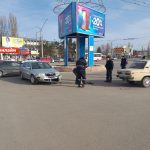 ДТП в Бельцах: на кругу не разминулись две легковушки