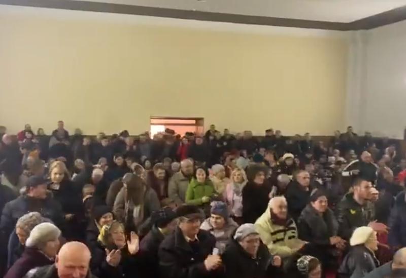 Полный зал и овации: Зинаида Гречаный встретилась с жителями Бричан (ВИДЕО)