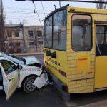 ДТП с участием троллейбуса произошло этим утром в столице (ФОТО)