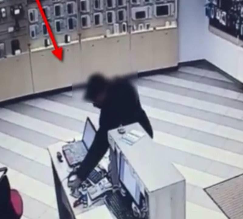 В столице вор-рецидивист украл оставленный без присмотра телефон (ВИДЕО)