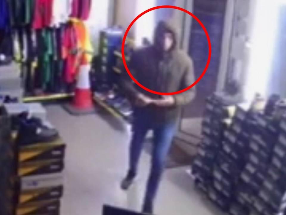 Столичная полиция разыскивает молодого человека, совершившего кражу в магазине (ВИДЕО)