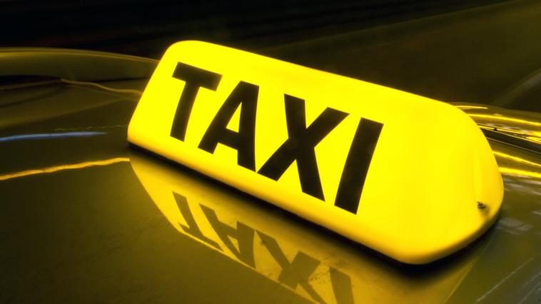 Житель Калараша погиб под колёсами такси