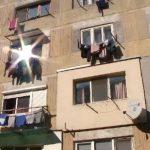 Жительница Бельц выпала с балкона, развешивая одежду