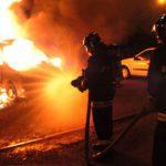На Ботанике этой ночью загорелись сразу две машины