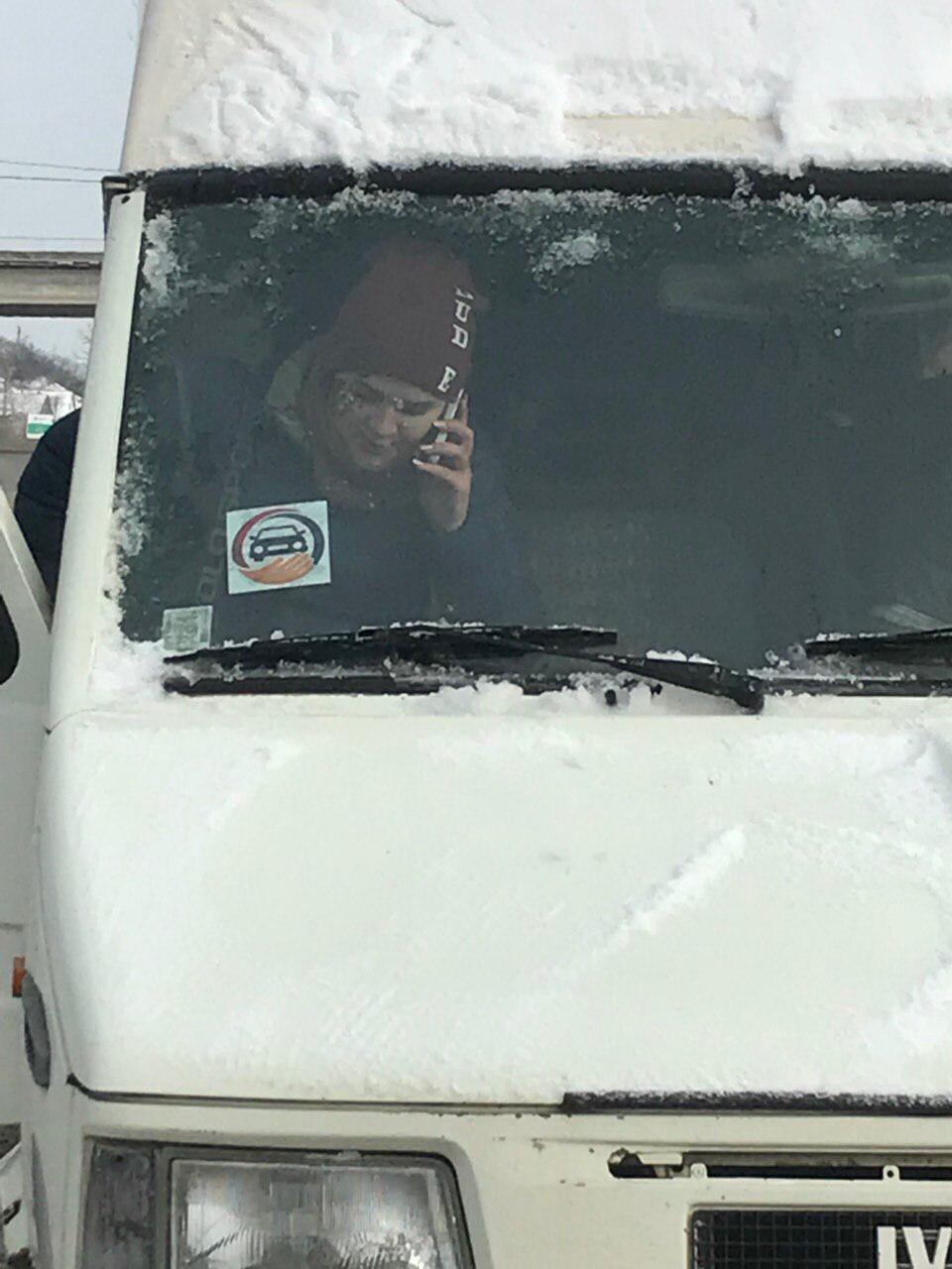 """Беспредел в Приднестровье: Автобусы """"Шерифа"""" с подвозом помечают и пропускают, остальной транспорт разворачивают (ФОТО, ВИДЕО)"""