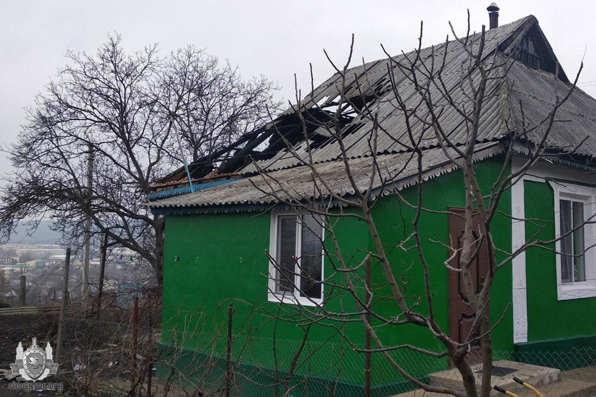 Старая проводка стала причиной пожара в доме жителей Каменки