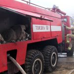 Полтора часа понадобилось трём пожарным расчётам, чтобы потушить загоревшийся в гараже автомобиль