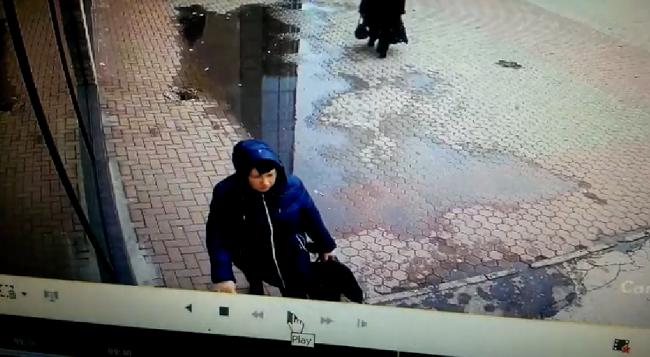 Жительница Кишинёва по ошибке отдала крупную сумму денег не тому человеку и теперь пытается ее вернуть (ВИДЕО)