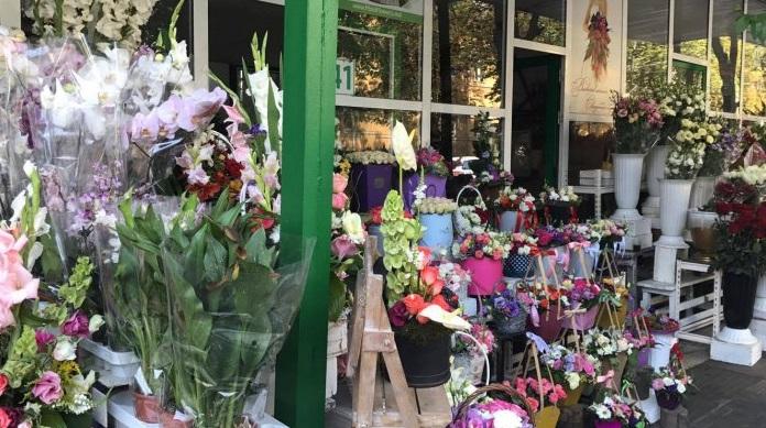 В преддверии 8 Марта Налоговая служба планирует вновь установить посты у цветочных ларьков