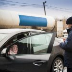 Пограничники задержали двух иностранцев с поддельными правами
