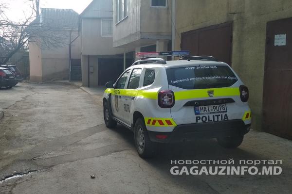 В Комрате молодой парень выпал из окна жилого дома (ФОТО, ВИДЕО)