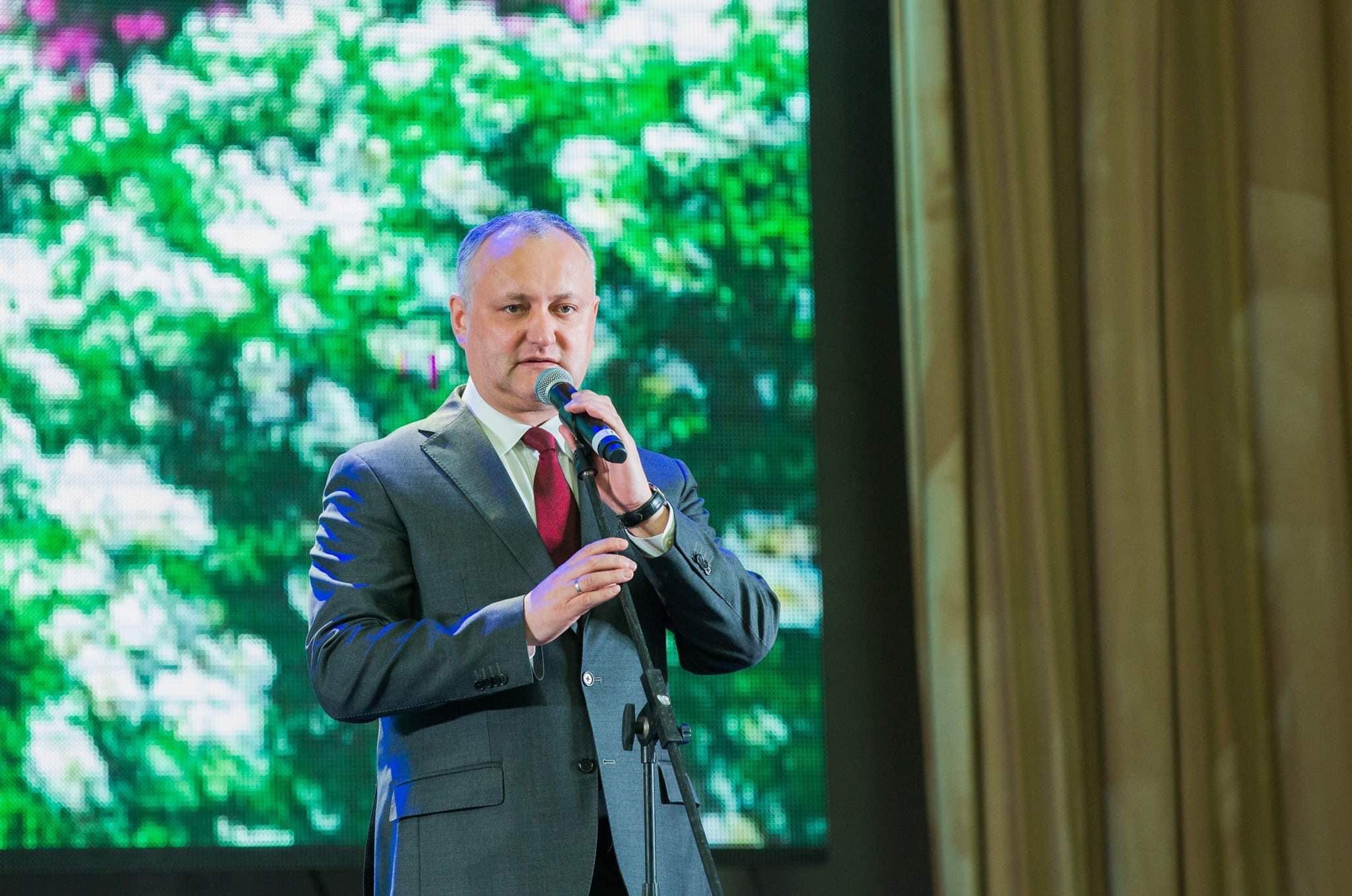 Президент поздравил жителей Молдовы с Масленицей