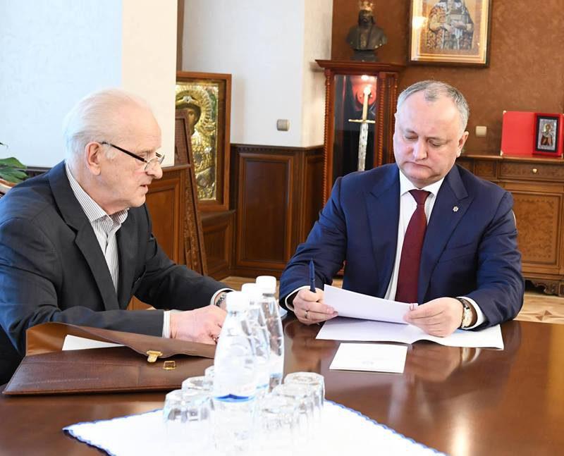 Додон встретился со старейшим депутатом парламента, которому предстоит возглавить первое заседание законодательного органа (ФОТО, ВИДЕО)