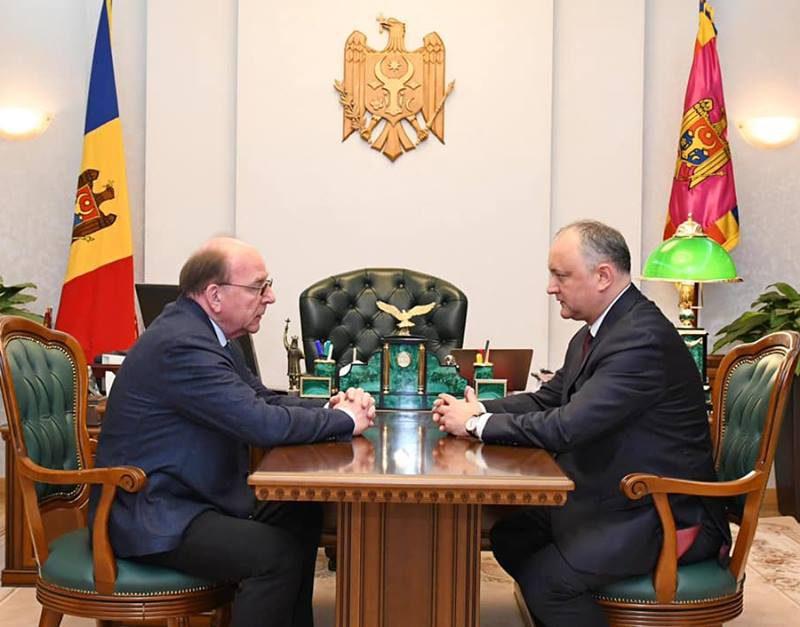 Додон встретился с послом России в Молдове